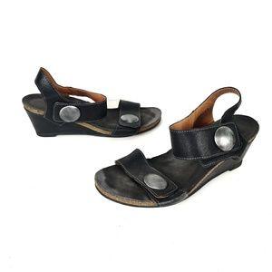 Taos Carousel Wedge Sandals Black 9/9.5 EU 40